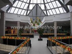 новогоднее оформление торгового центра – дизайн торгового зала