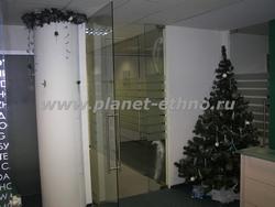 новогоднее оформление офиса - установка новогодней елки